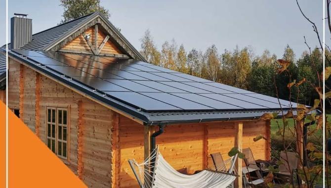solet technics sumontuota saules elektrine ant nuozulnaus stogo