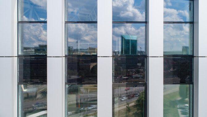 stiklas stiklas pakete esančios celės
