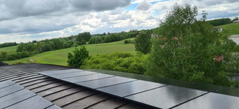 saulės moduliai valcuota išlenkta skarda