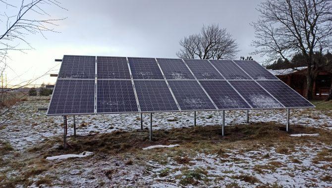 saulės moduliai žiemą gamina elektros energiją