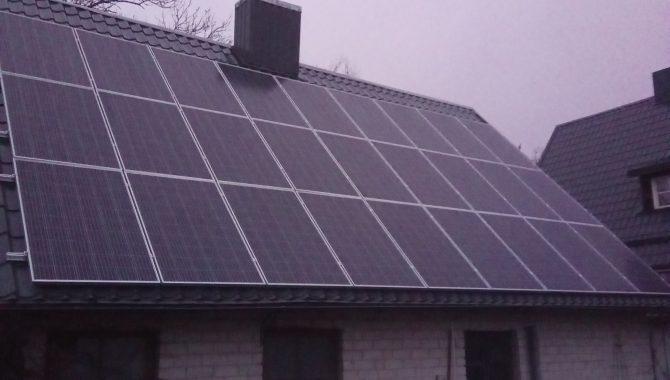 jėgainė ant šiferinio stogo pašiūrė