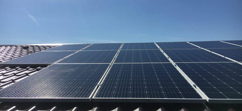 saulės elektrinė su parama