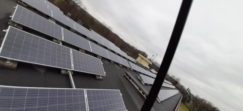 saulės baterijos iš šono