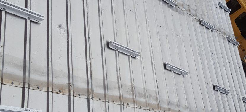 Saulės elektrinės montavimas ant banguotos skardos