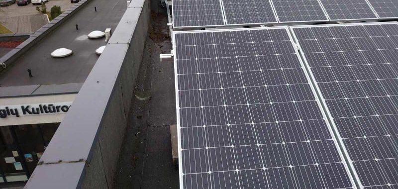 saulės jėgainė paėgiuose prie parapeto