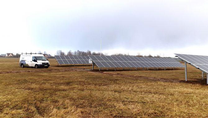 Solet baigė darbus montuojant saulės baterijas