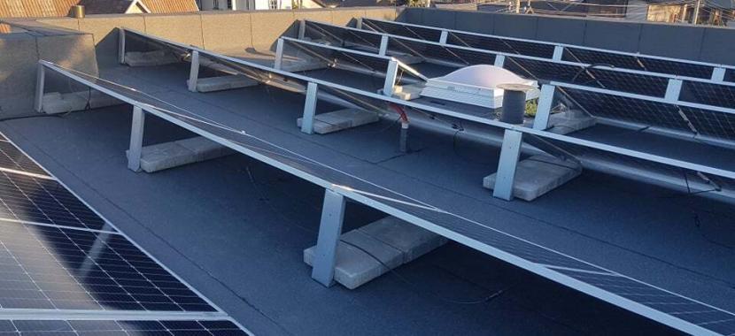 balastinės plytelės saulės elektrinei