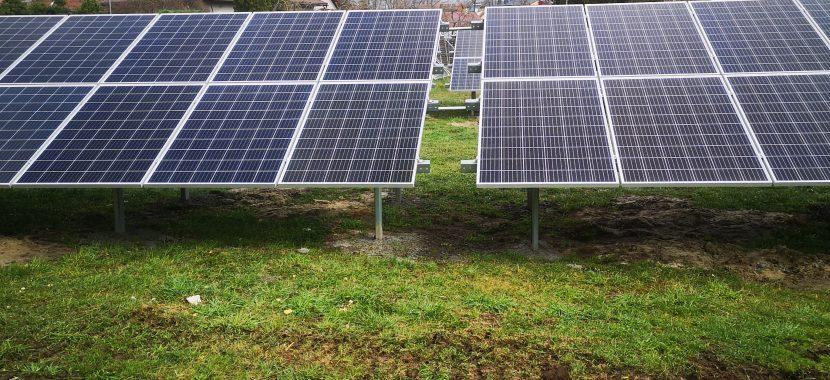 saulės elektrinė ant žemės