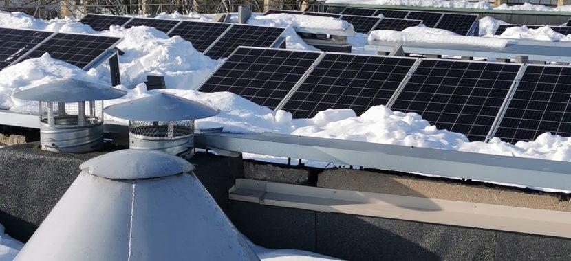 apsnigę saulės moduliai