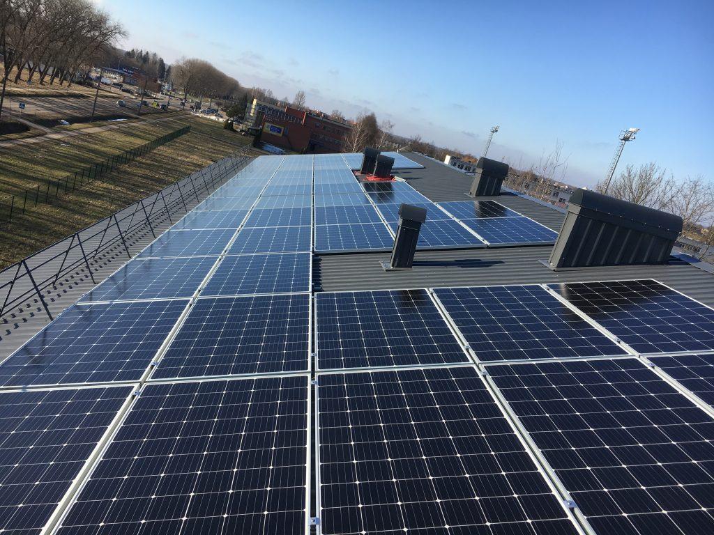 sumontuotos saulės baterijos