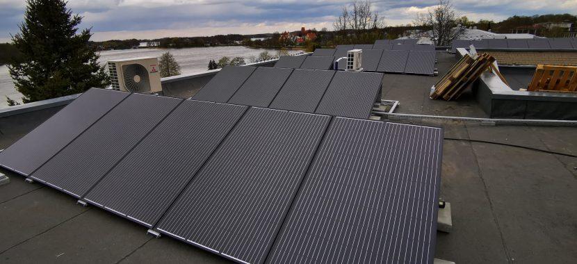saulės jėgainė ant savivaldybės pastato stogo