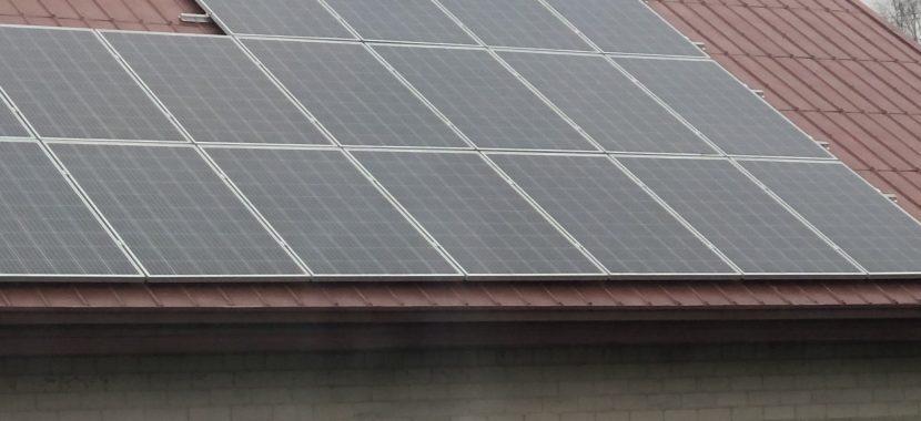 solet saulės moduliai ant skardinio stogo maža kaina