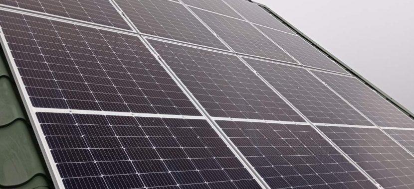 saulės moduliai ant stogo