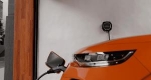 Wallbox elektromobilio įkrovimo stotelė garaže